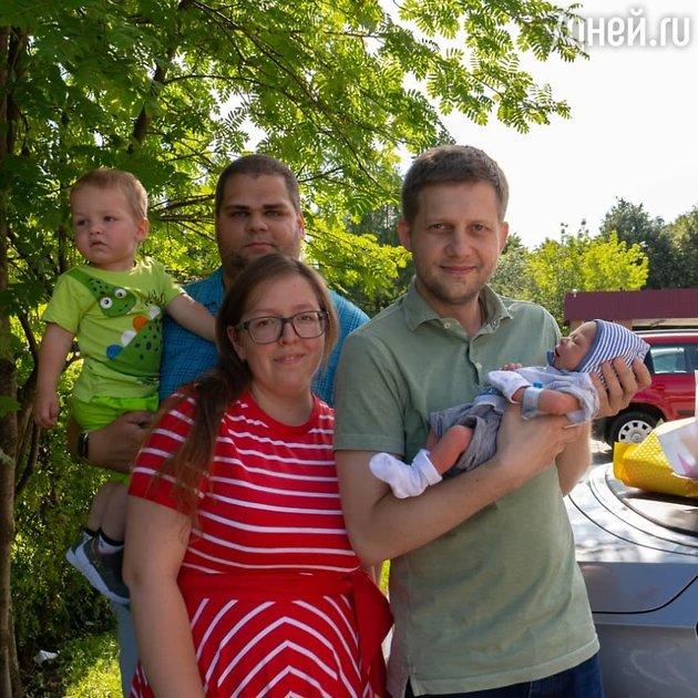 «Мама и новорожденный»: Борис Корчевников показал, кого забрал из роддома