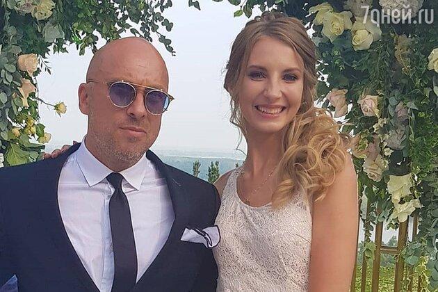 Дмитрий Нагиев с подружкой невесты