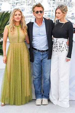 Кэтрин Уинник, Шон Пенн и его дочь Дилан Фрэнсис Пенн. Фото