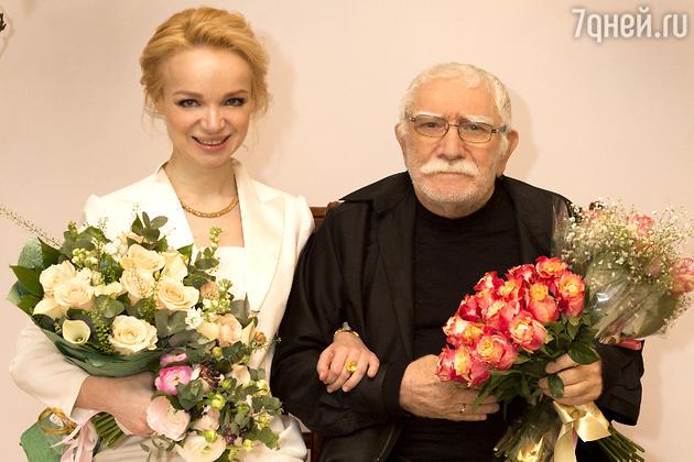Армен Джигарханян и Виталина Цимбалюк-Романовская