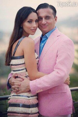 Новости Алсувышла замуж за Яна Абрамова. Сегодня супруги празднуют кружевную свадьбу