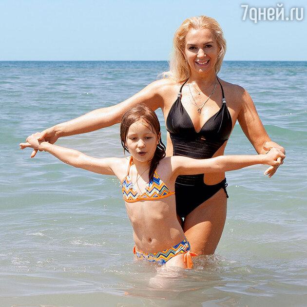 Мария Порошина с дочкой Аграфеной
