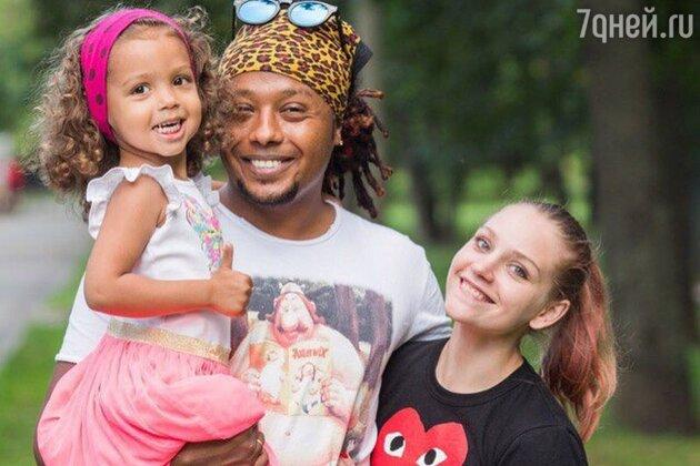 Сестра Кристины Асмус с мужем и дочкой