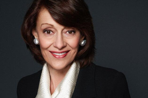 Эвелин Лаудер создала «Кампанию по борьбе с раком груди» в 1992 году