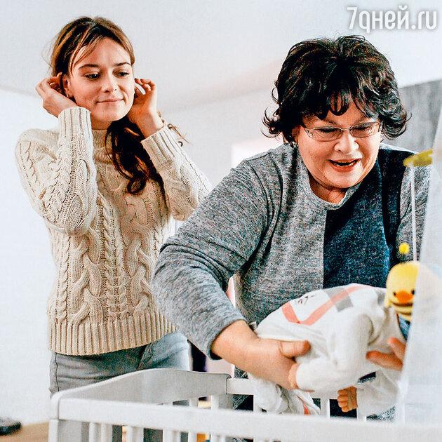 Нина Усатова с Александрой Власовой